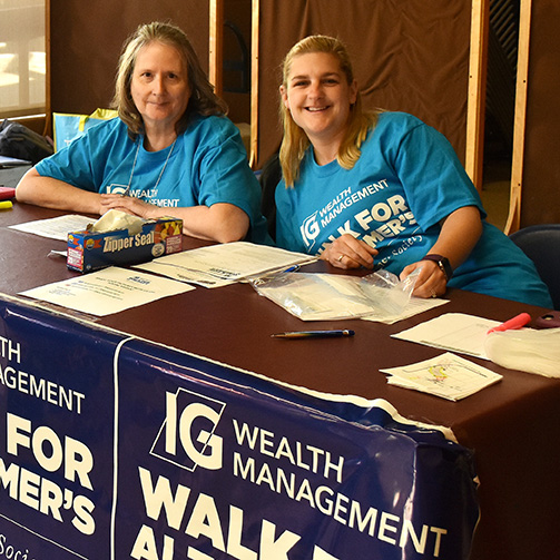Group participating in the IG Wealth Management Walk for Alzheimers